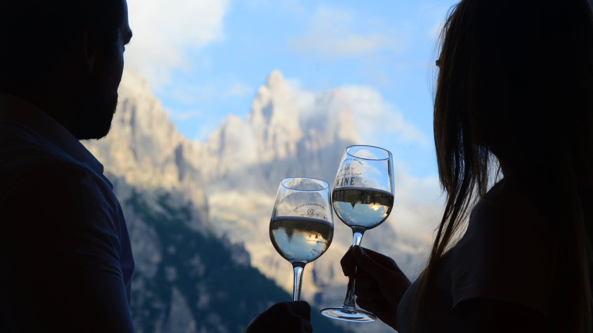ALEXANDER BAR - Drinking at the foot of the Dolomites